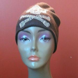 Accessories - 💀🔥bling studded skull& crossbones knit cap
